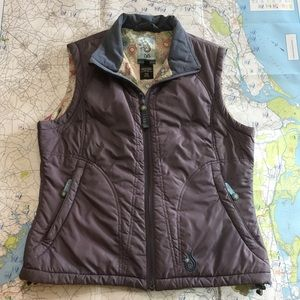 Isis for Women Down Vest Size 8 - funky details!